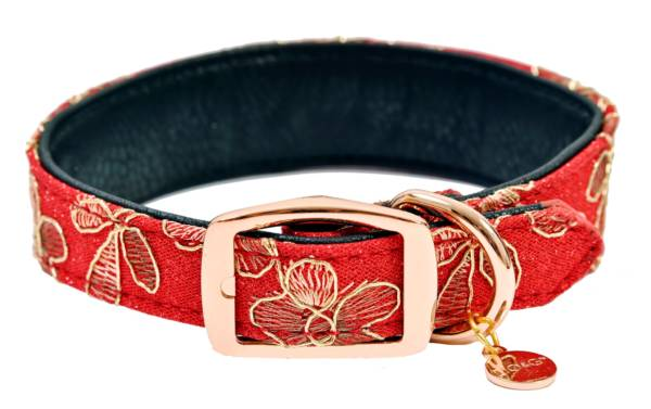 red regal collar